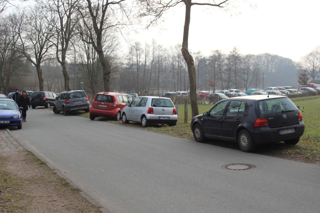 Parkplatzmangel am DGH